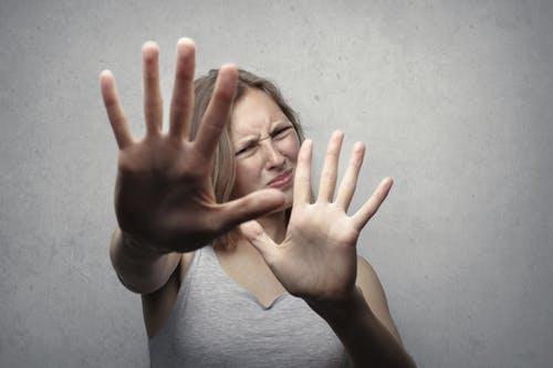 کرونا سے پھیلنے والی نفسیاتی بیماریاں. کرونا کے ڈر اور خوف سے کیسے نکلیں